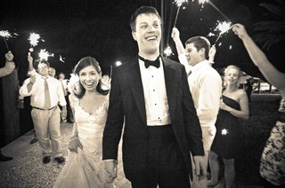 black-and-white-photo-of-wedding-sparkler-exit