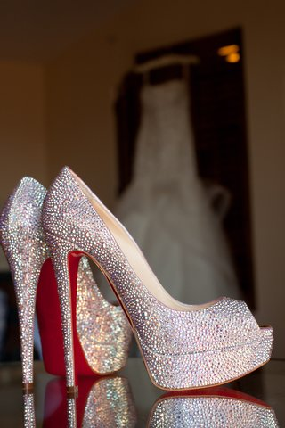 wedding-shoes-christian-louboutin-red-soles