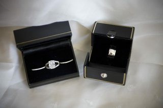 brides-wedding-rings-in-box-and-grooms-band-in-box