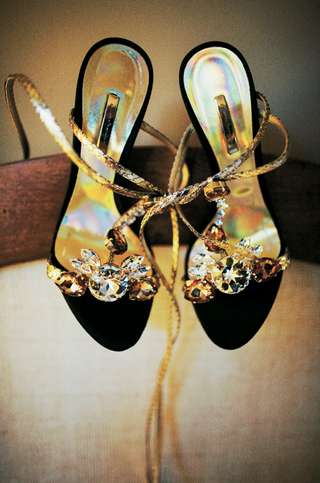 black-open-toe-wedding-shoes-with-jewels