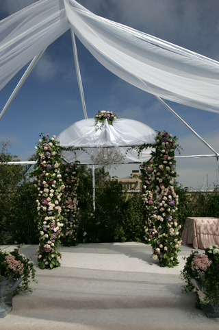 outdoor-jewish-ceremony-decor