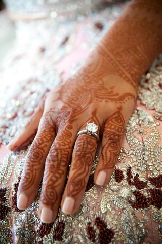 indian-brides-henna-hands-and-solitare-ring