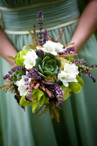 bridesmaids-bouquet-of-green-and-white-flowers-with-lavender-and-succulents