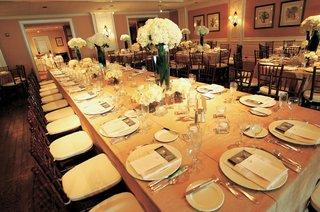 indoor-wedding-reception-with-simple-design