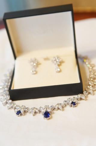 jewelry-box-with-diamond-earrings-and-sapphire-necklace