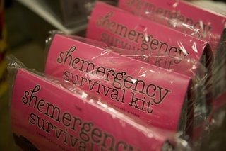 bridesmaid-gifts-wedding-survival-kit