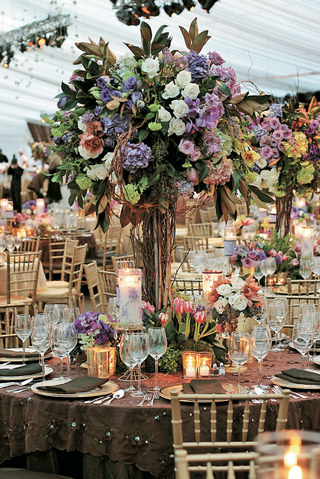 floral-centerpieces-with-branches-and-candles