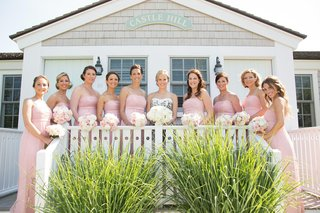 castle-hill-inn-summer-wedding-with-pink-bridesmaids