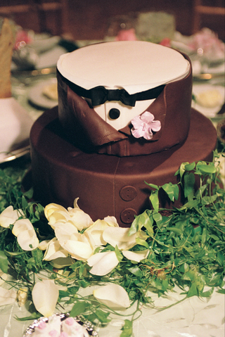 custom-cake-designed-to-look-like-button-down-tuxedo
