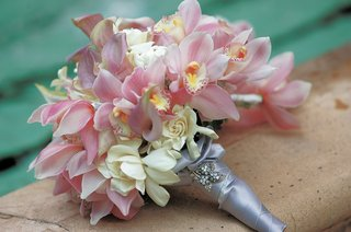 brides-bouquet-of-pink-orchids-and-calla-lilies-and-gardenias