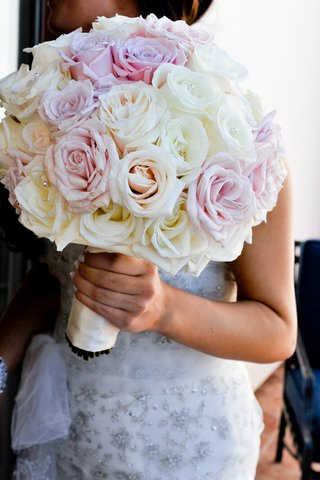 pink-and-white-roses-in-bouquet-with-rhinestones