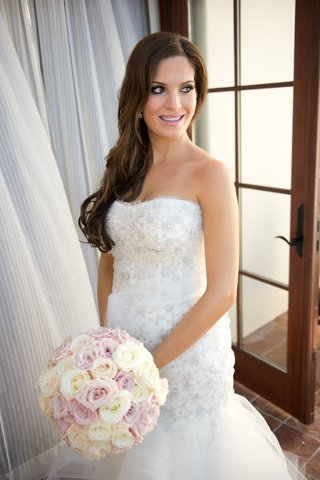 bride-in-sparkle-wedding-dress-with-mermaid-silhouette