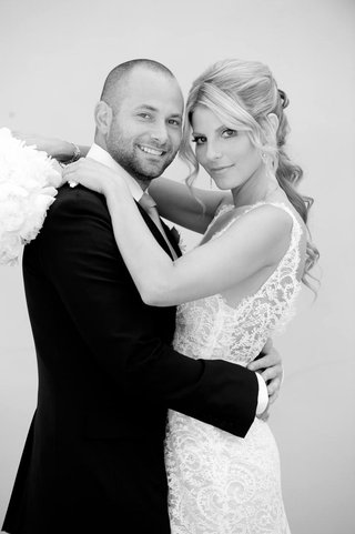 black-and-white-wedding-portrait-of-couple