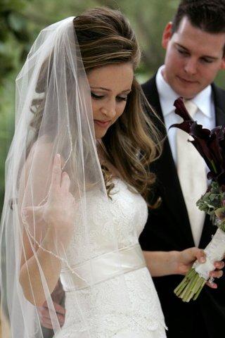 monique-lhuillier-bridal-gown-and-veil