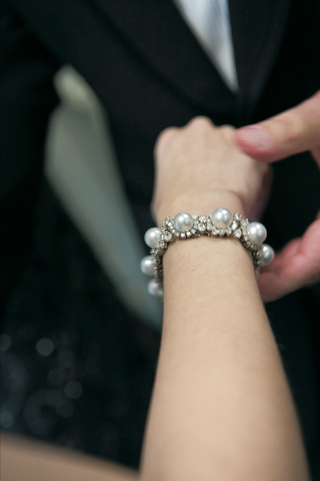 bridal-bracelet-with-diamonds-and-pearls