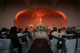 dramatic-candlelit-wedding-with-custom-aisle-runner