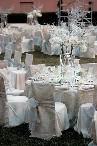 winter-style-outdoor-wedding-reception-in-florida