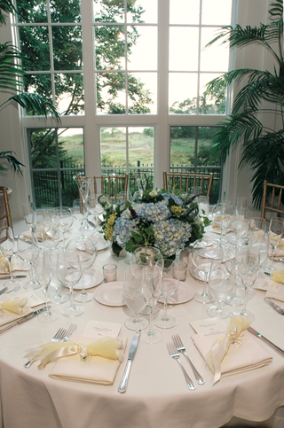 white-classic-wedding-reception-table-decorations