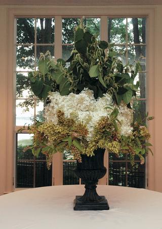 large-hydrangea-flower-arrangement-at-wedding-reception