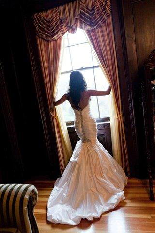 back-of-ines-di-santo-swarovski-crystal-dress