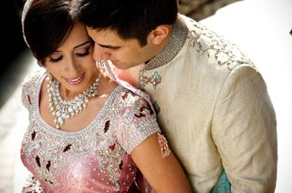 indian-american-couple-in-traditional-lengha