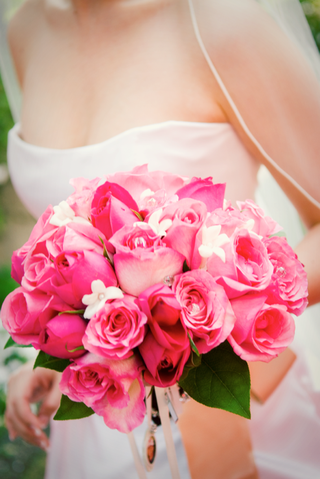 flower-bouquet-of-hot-pink-roses