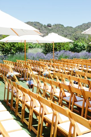 alfresco-wedding-chair-rows-and-umbrellas
