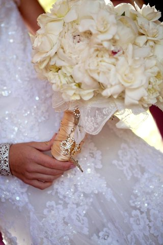 white-wedding-bouquet-with-rosary-and-hankie