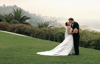 bride-and-groom-with-ocean-view