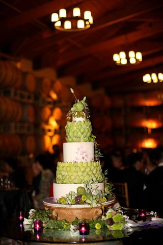 vineyard-wedding-cake-with-artichoke-leaves-and-grapes