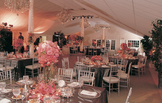 empire-polo-club-pavilion-with-chandeliers