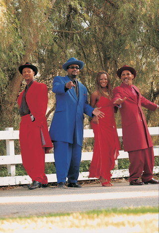 brazilian-music-group-in-red-and-blue