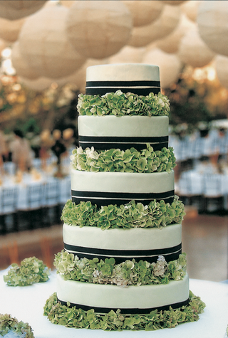 five-layer-cake-with-ribbons