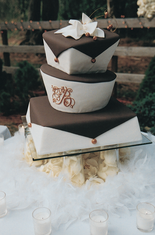 brown-and-white-wedding-cake-wedding-cake