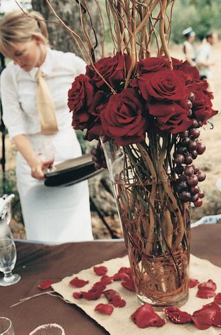 red-wedding-reception-arrangements
