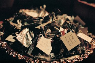 dark-wedding-favor-bags-with-gold-cards
