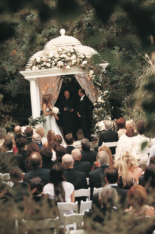 garden-wedding-ceremony
