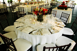 reception-with-tables-in-different-shapes-and-sizes