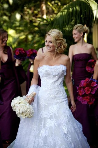 bride-in-front-of-bridesmaids-in-white-lace-ruffle-bodice