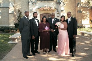 groom-and-family-members-photo