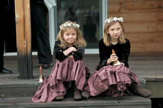 flower-girls-in-cowboy-boots-and-flower-crowns