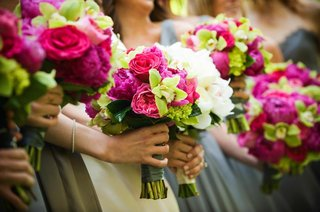 bridesmaids-bouquets-of-bright-pink-and-green-flowers