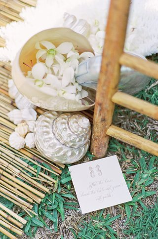 laura-hooper-calligraphy-card-and-mother-of-pearl