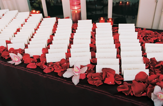 seating-cards-on-bed-of-flower-petals