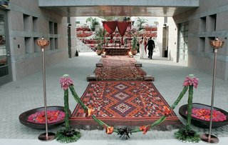 entrance-to-moroccan-lounge-wedding-ceremony
