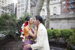 actress-reshma-shetty-and-groom-dressed-in-traditional-outfits-for-a-indian-hindu-wedding