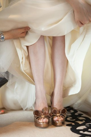 valentino-bow-heels-on-bride-for-wedding-day