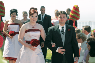 groomsman-and-bridesmaid-walk-down-the-aisle