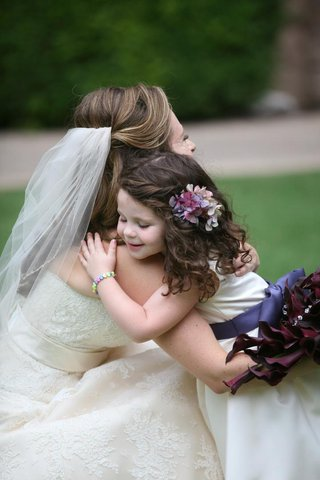 flower-girl-hair-accessories-and-jewelry