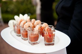 shot-glasses-filled-with-shellfish-and-cocktail-sauce